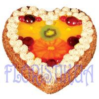 Cake in the form of heart